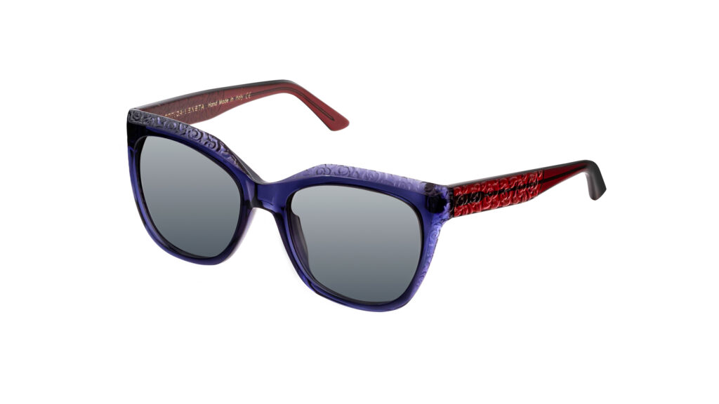 OV42 c.6052 – Blue front with red temples